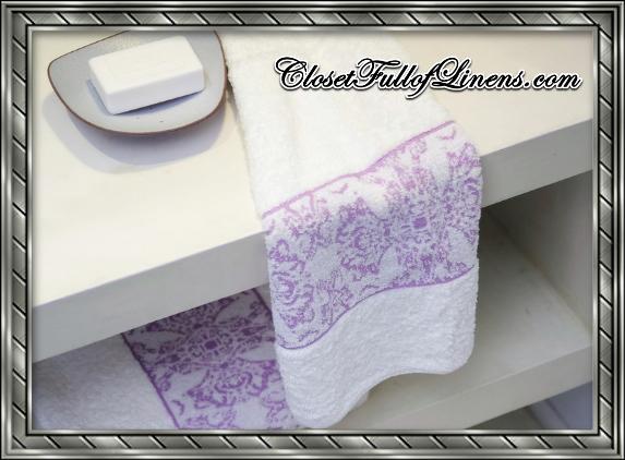 Nymphea Bath Towels